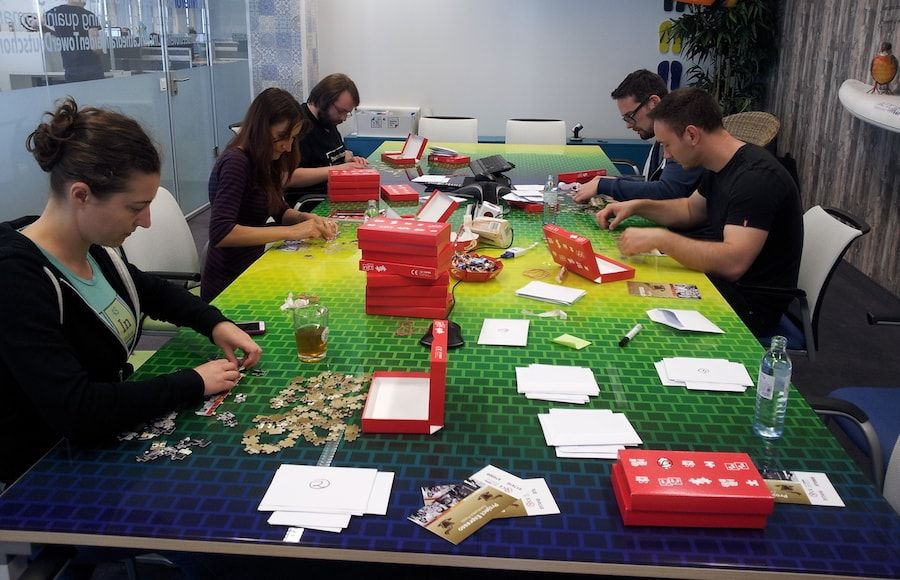 Jigsaw assembly session